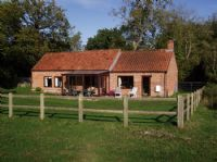 Swallow Barn Dogs-welcome Holt Norfolk | 884